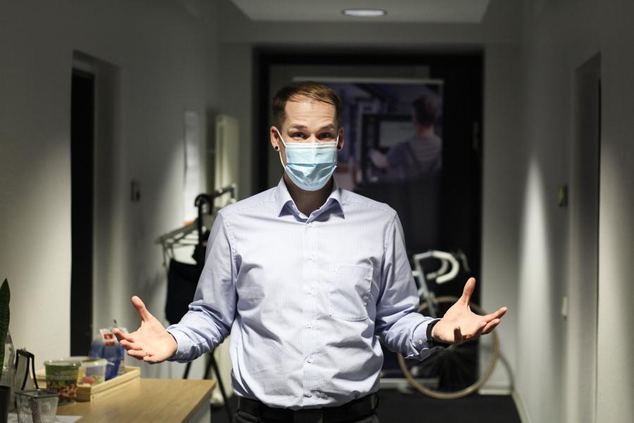 David mit Schutzmaske